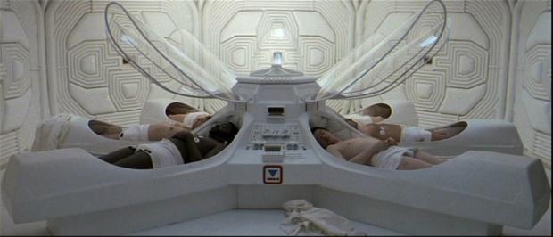 Besättningen på Nostromo vaknar efter sin hypersömn