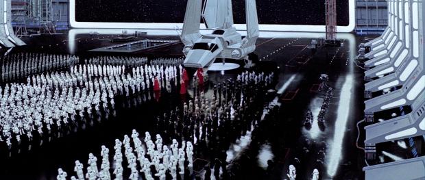 Kejsaren anländer till Dödsstjärnan