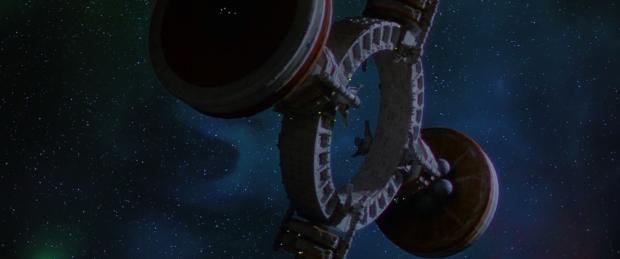 Rymdstationen, skeppen och stjärnhimlarna är fantastiskt vackra i Enemy Mine