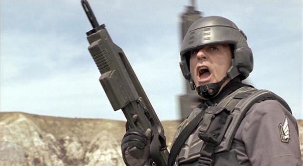 Lieutenant Jean Rasczak (Michael Ironside)