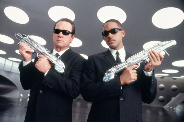 Men in black (1997) - slapstick med låtsastuffingar