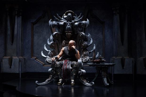 Riddick 3 börjar med honom på tronen
