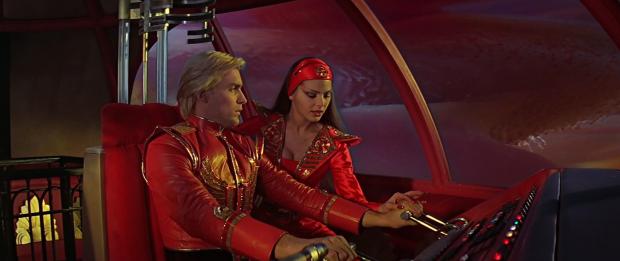 Sam J Jones är Flash, och Ornella Muti spelar prinsessan