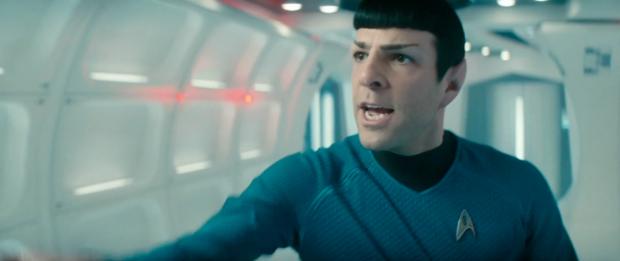 Kirk säger att han ska ge sig efter Harrison. Spock (Zachary Quinto) och McCoy försöker övertala honom att inte göra det.