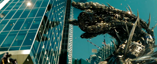Enorma tusenfotingar av stål äter sig rakt igenom skyskraporna