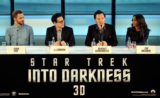 Chris Pine, JJ Abrams, Benedict Cumberbatch och Zoe Saldana på presskonferensen i London. foto: Paramount