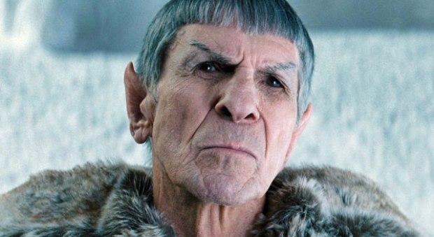 Leonard Nimoy spelar gamle Spock, som kommer från originaluniversumet