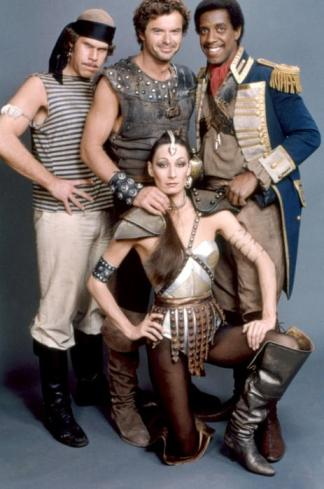 THE ICE PIRATES, (stående fr v-t-h): Ron Perlman, Robert Urich, Michael D. Roberts, (front): Anjelica Huston, 1984, (c)MGM
