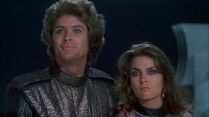 David Hasselhoff är prins Simon och  Caroline Munro spelar smugglaren Stella