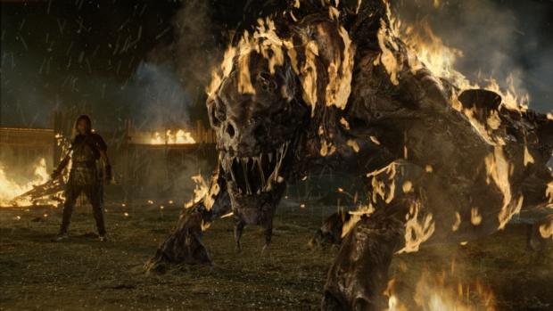 Moorwen heter det avskyvärda monster som följer med ett kraschande rymdskepp och sprider förödelse i Norge