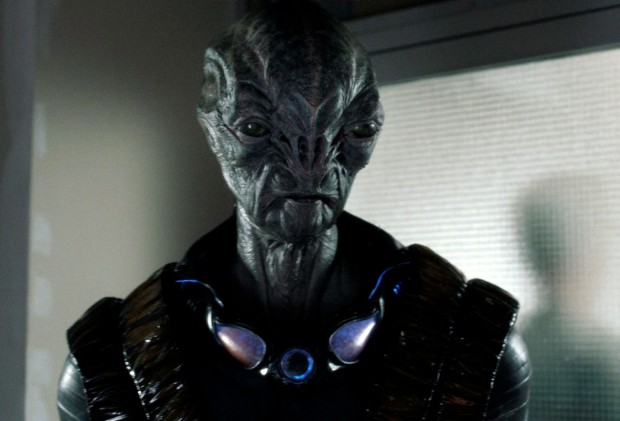 Doug Jones spelar Cochise, en Volm på människornas sida