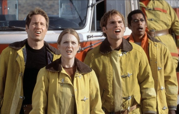 David Duchovny, Julianne Moore, Seann William Scott och Orlando Jones i Evolution