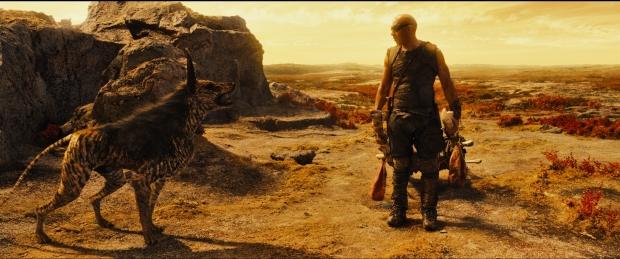 """Riddick skaffar sig en """"hund"""" - en valp till en rymdsjakal. Den blir hans oskiljaktige följeslagare"""