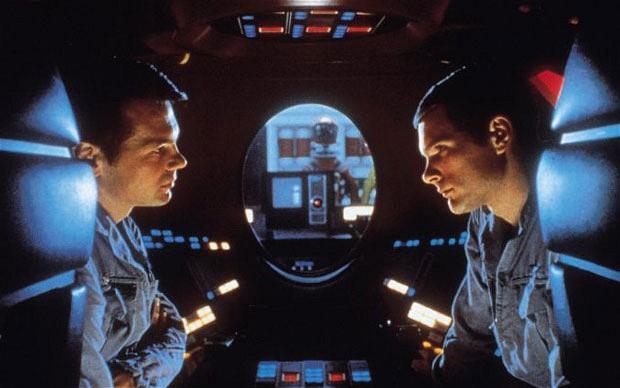 2001 - David Bowman och Frank Poole samtalar utom hörhåll från HAL