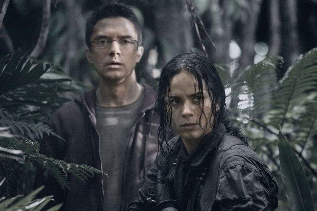 Topher Grace och Sonia Braga är de båda mer sympatiska karaktärerna i Predators