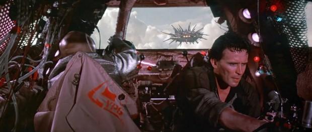 På flykt undan Red Lectroids skepp