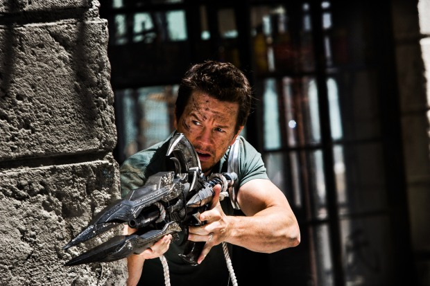 Mark Wahlberg spelar Cade Yeager i TRANSFORMERS: AGE OF EXTINCTION, från Paramount Pictures.
