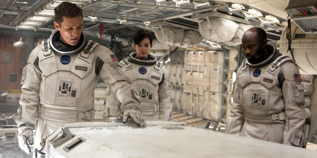Matthew McConaughey Anne Hathaway och David Gyasi i Interstellar