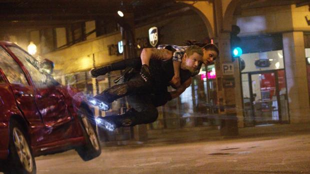 Channing Tatum och Mila Kunis i Jupiter Ascending