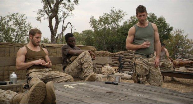 Soldater i Alien Outpost / Outpost 37