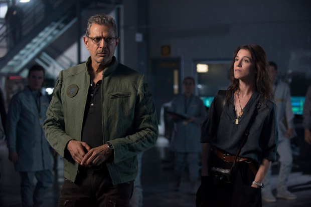 Dr. Catherine Marceaux (Charlotte Gainsbourg) and David Levinson (Jeff Goldblum) investigate some clues about the aliens' imminent attack. Photo Credit: Claudette Barius.