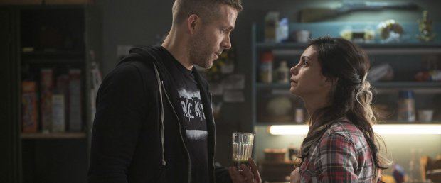 Ryan Reynolds och Morena Baccarin i Deadpool